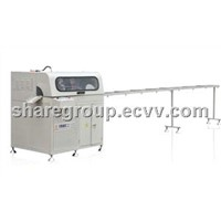 Full-auto corner cutting saw of aluminum doors and windows