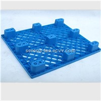 Very light weight nestable industrial plastic pallet