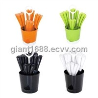 New Design Plastic Handle Cutlery Set with Plate Basket