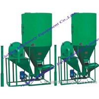 Animal feed crusher and mixer combined machine