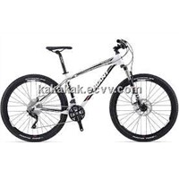 2014 Giant Talon 27.5 0 Mountain Bike S, White