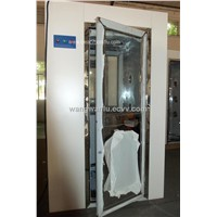 Space saving Cleanroom air shower