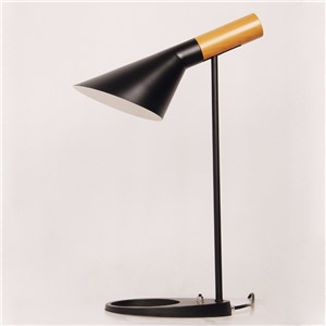 North America LED the desk lamp that shield an eye lamp students study of contemporary and contracted Nordic desk lamp