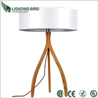 2014 hot-sell Wood table lamp with fabric shade