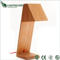 2013 Fashion modern wooden desk lamp