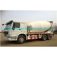 SINOTRUK  HOWO Concrete Mixer Truck 8cbm With Italy Pto ,Motor 6x4 371 hp EuroII