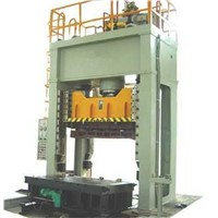 Four-column single-movement hydraulic press for sheet metal stamping