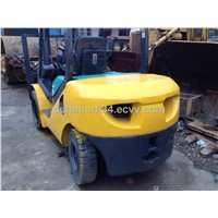 used Komatsu FD30T forklift  original  forklifts made in Japan