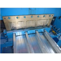 Closed Metal Deck Roll Forming Machine
