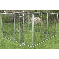 Modular equine feed fence with large spacing ensures horse secure