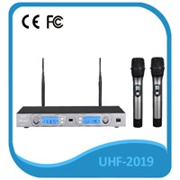 UHF wireless microphone system for amplifier