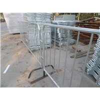 Galvanized Road Safety steel Barricade/Custom design interlocking steel crowd control barricade