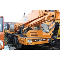 USED 30 TON KATO NK-300-E-III TRUCK CRANE FOR SALE