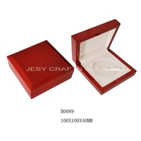Oak pattern shiny lacquare wooden medal box
