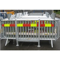 Interlocking Barricades for Large and Small Events