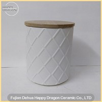 Prismatic Embossed Raw Finishing White Ceramic Candle cansister With Wood lid